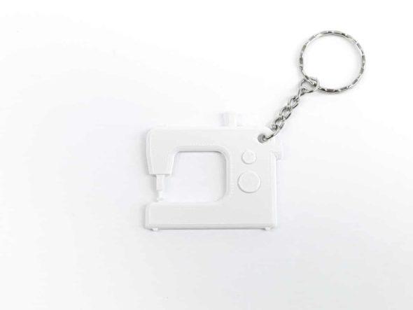 schlüsselanhänger nähmaschine schnittenliebe white